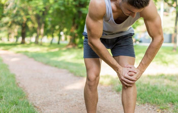 Как тренироваться, когда болят колени