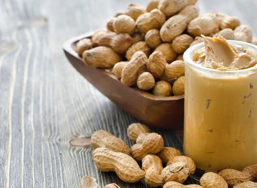 Weil Erdnüsse verwendet werden, um Gewicht zu verlieren